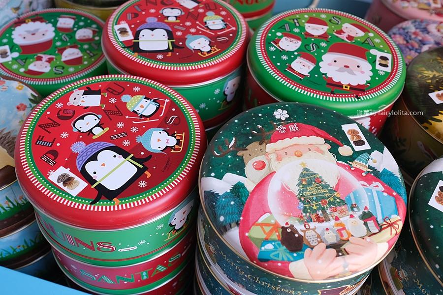 愛威鐵盒餅乾。google分數高達4.9,網稱「全台最夢幻鐵盒曲奇餅」,期間限定聖誕節圖案、限量售完就買不到! @蹦啾♥謝蘿莉 La vie heureuse