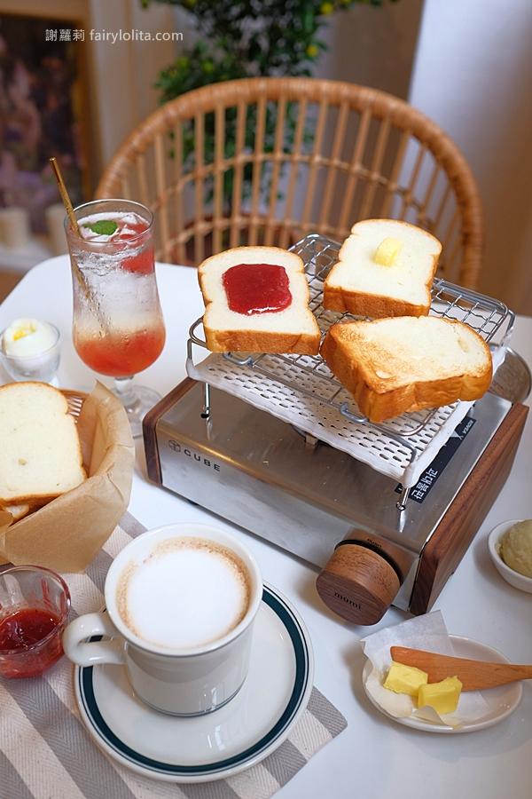 台北咖啡廳 | mumi cafe。為吃麵包等了2小時,咖啡館裡自己烤吐司,還在試營運、排隊人潮延伸4個店面長!(大安站) @蹦啾♥謝蘿莉 La vie heureuse