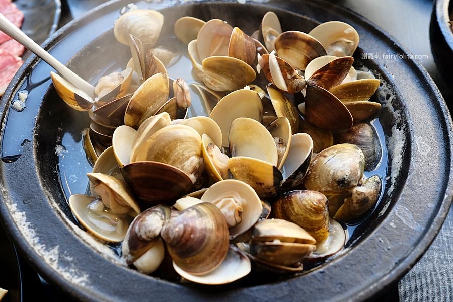 最新推播訊息:免費就是爽!挑戰全台最狂平價火鍋,姓氏幾劃就送你多少蛤蠣吃,爽嗑滿滿一整鍋!
