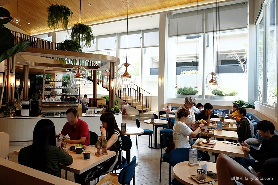 台中咖啡廳 | kafeD 德勒斯登河岸咖啡。米其林一星甜點只要百元!新開幕森林系咖啡廳,一開幕就爆紅、天天人潮大爆滿! @蹦啾♥謝蘿莉 La vie heureuse