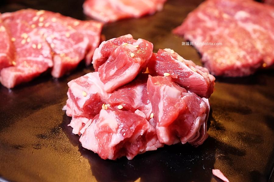 火之舞蓁品燒和牛放題。桃園和牛燒肉吃到飽,高檔食材任你挑、近70種食材無限呷免驚! @蹦啾♥謝蘿莉 La vie heureuse