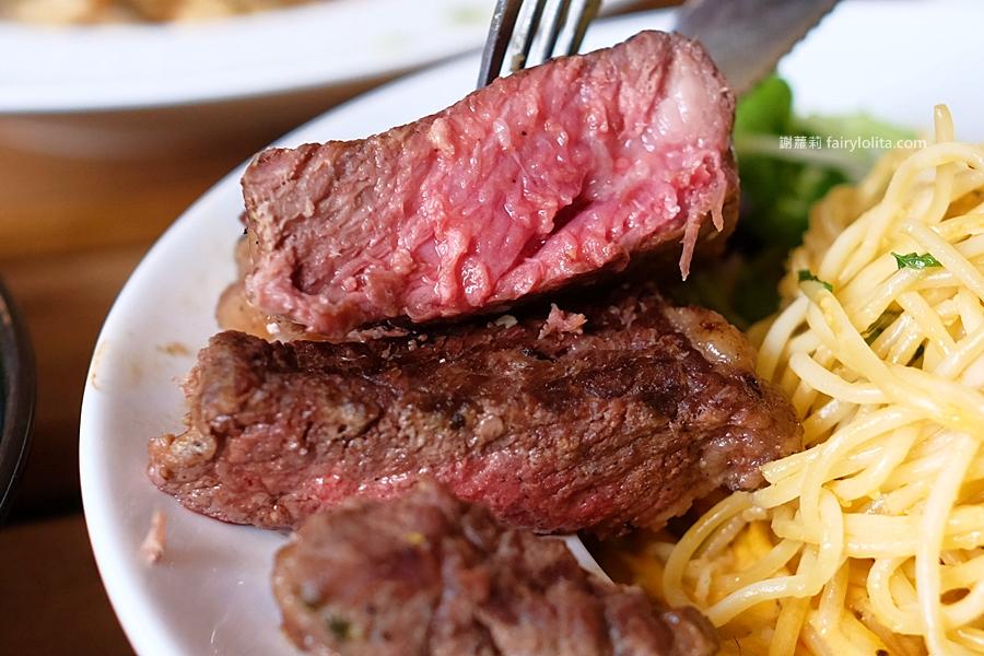 高沐 Pasta&Steak。當月壽星快筆記!只要200元,這家義大利麵讓你「無限量免費吃到爽」! @蹦啾♥謝蘿莉 La vie heureuse